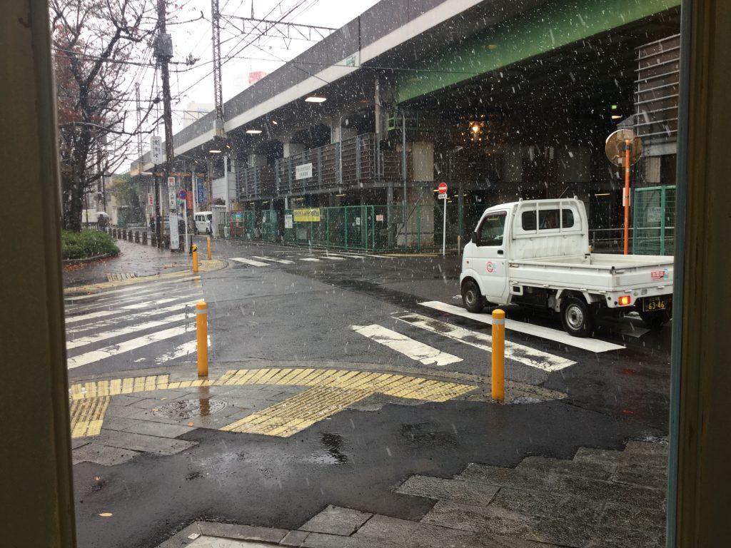 初雪!(о´∀`о)年末のスケジュールのお知らせ。