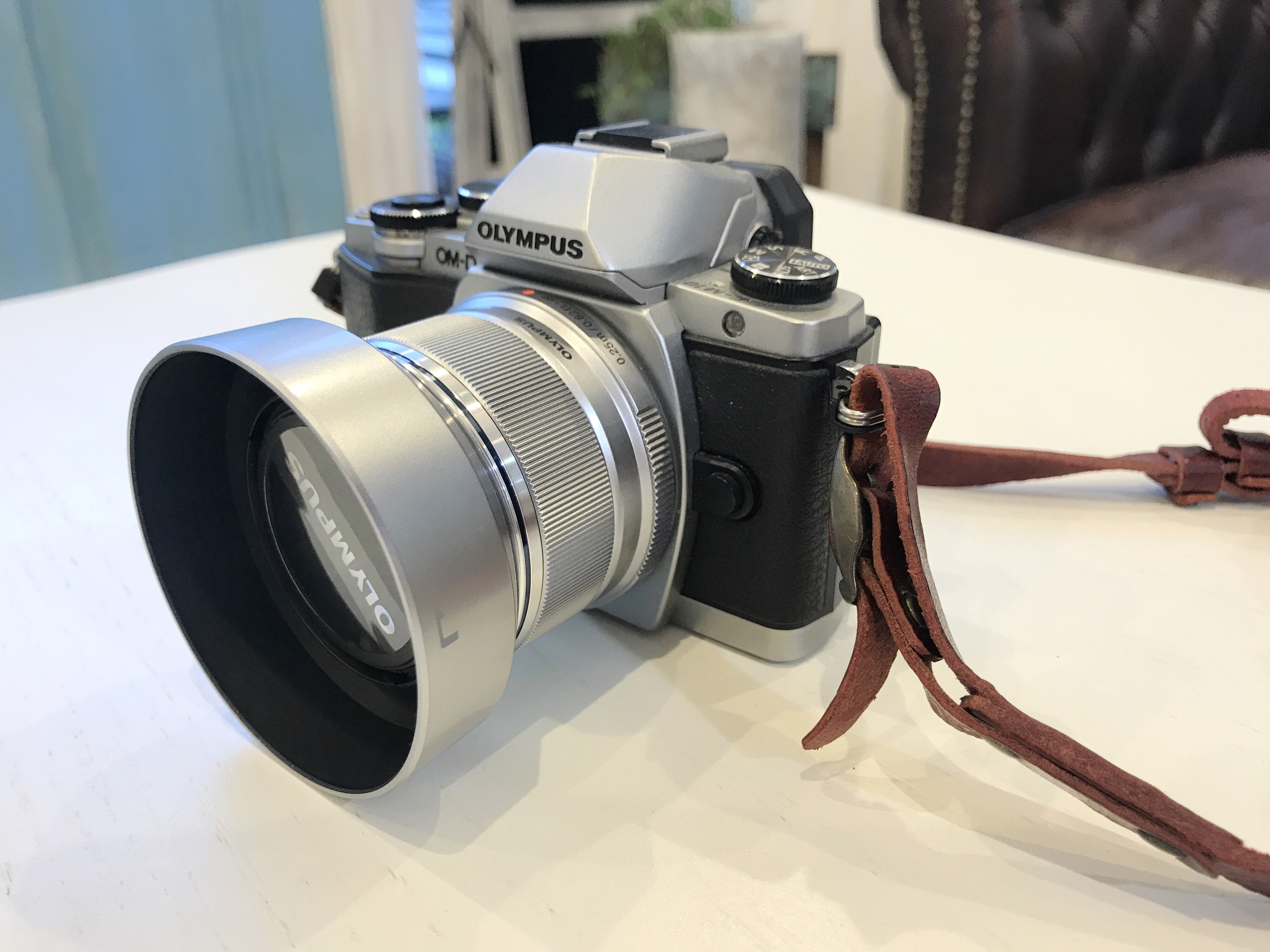 これからカメラを始める人にちょうど良い単焦点レンズのご紹介。